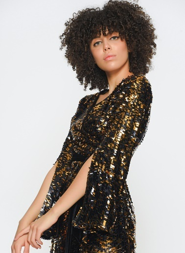 Zeynep Ökmen Payetli Anvelop Kadife Kemerliyanlardan Yırtmaçlı Elbise Siyah